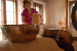 Klangtherapie Heilpraktikerin Verena Berthold zwischen Mühldorf und Altötting